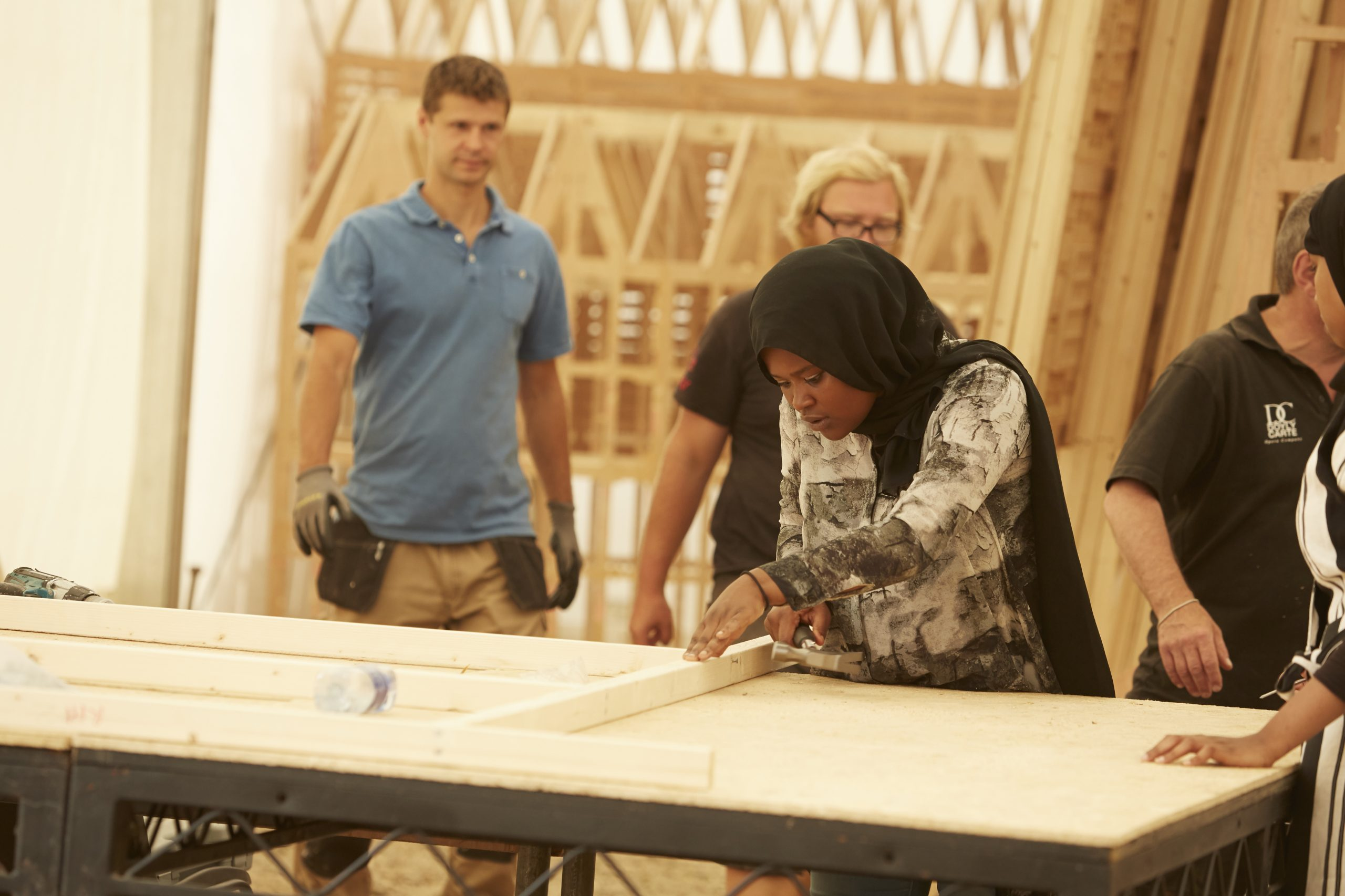 London 1666 participants working on carpentry